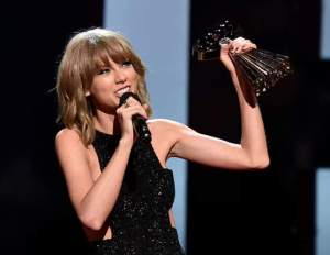 taylor swift iheart radio